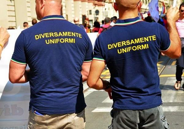 Poliziotti sesso gay