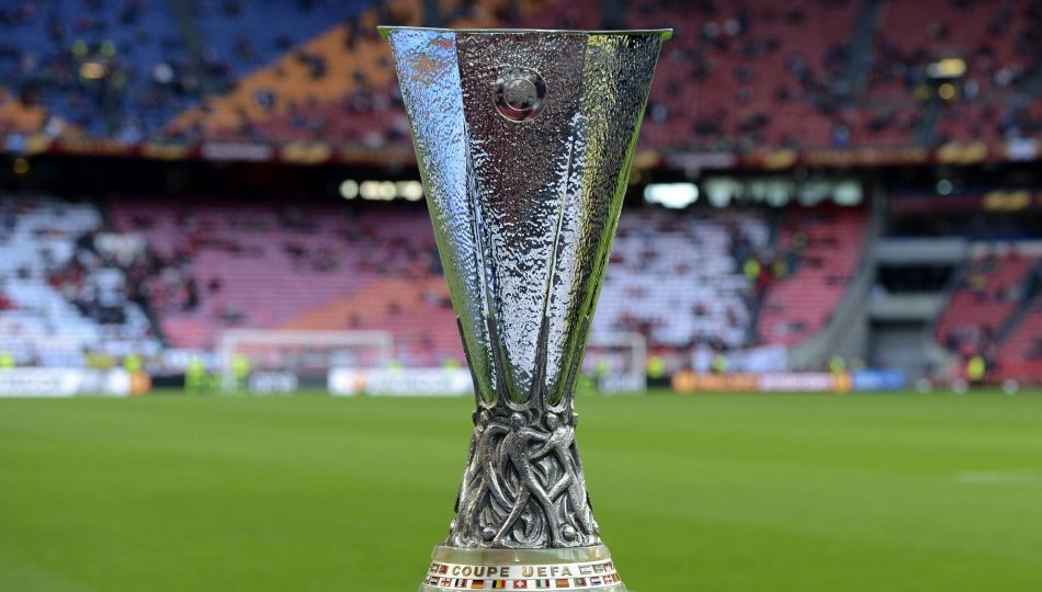 uefa-europa-league-trophy_0.jpg